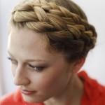 Готовая прическа коса-венок
