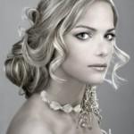 Образец свадебной прически для блондинки