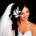 Свадебная фата у брюнетки