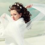 Невеста с длинными распущенными волосами