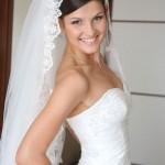 Свадебная прическа пучек с фатой22
