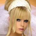 блондинка с ободком