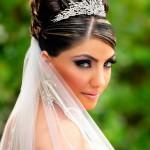 невеста с ободком на голове