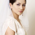 невеста с прической пучек фото