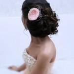 Один цветок в волосах