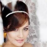 Невеста с ободком в волосах