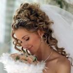 Красивая прическа у невесты