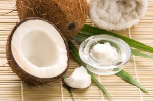 Кокосовые орехи и масло
