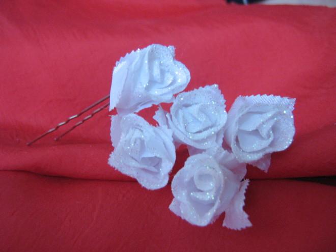 Шпильки с искусственными бутонами для свадебной прически