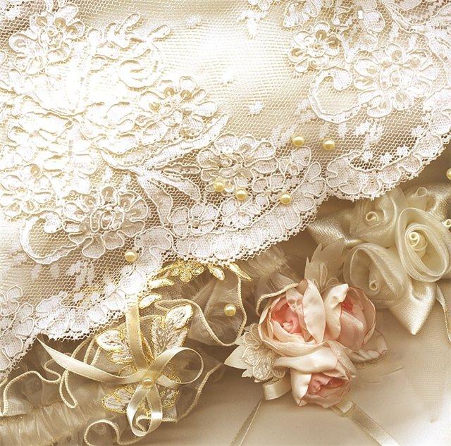 Материалы и оттенки для оформления кружевной свадьбы