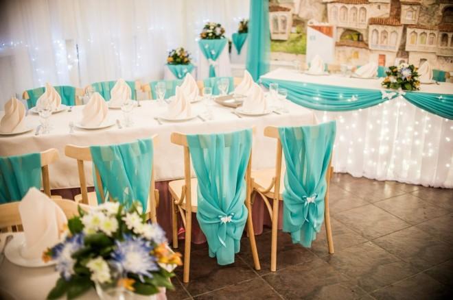 Оформление банкетной зоны на мятной свадьбе