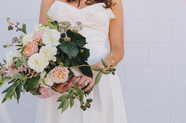 Букет невесты должен быть из живых цветов