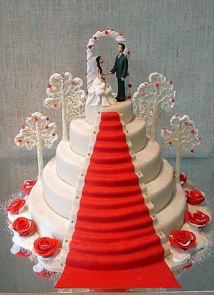 Торт — один из  важнейших элементов меню на свадебном торжестве.