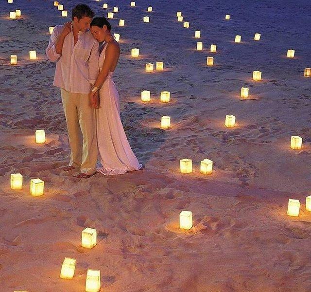 Песочный пляж для медового месяца