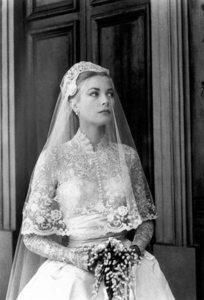 Белое подвенечное платье - королевский шик