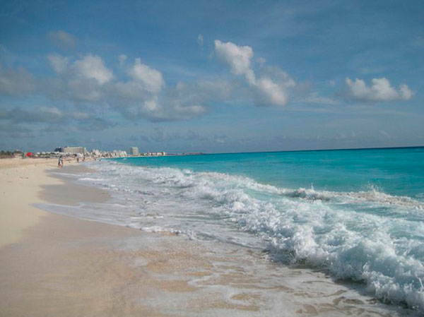 Пляж на Канкуне, Мексика