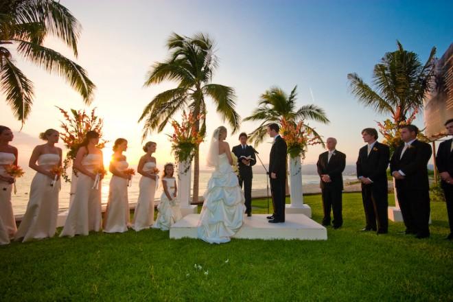 Роспись и венчание на берегу океана
