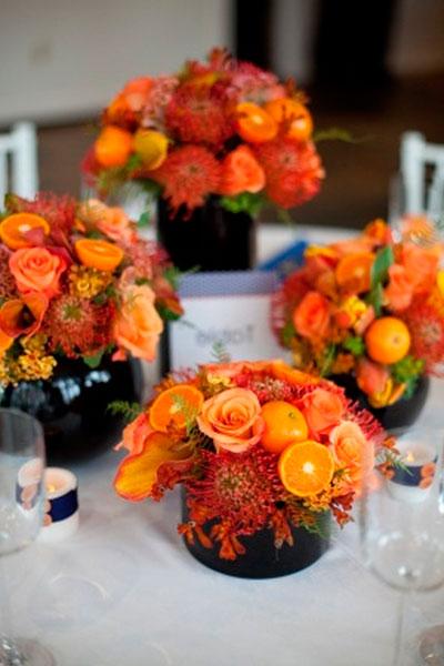 украшение-стола-розы-и-мандарины