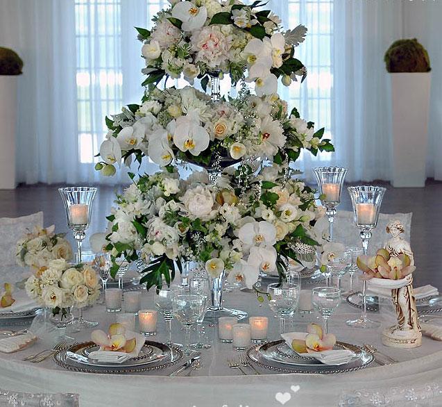Живые цветы - эффективные элементы декорации