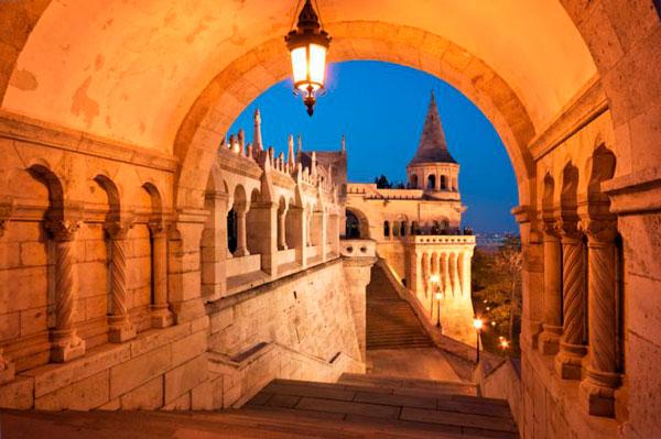 Прогулки по вечернему Будапешту очень романтичны