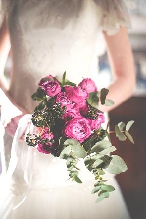 Розовый свадебный букет из английских роз