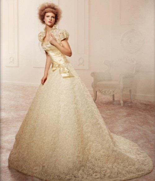 Стильные свадебные платья для рыжих