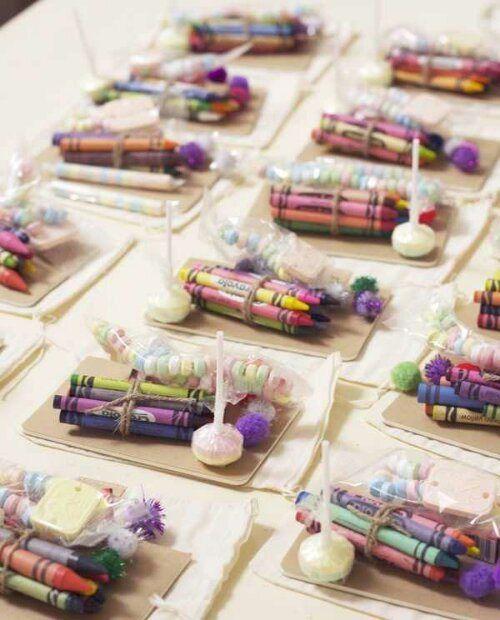 Подарите малышам наборы для творчества, и им будет чем заняться