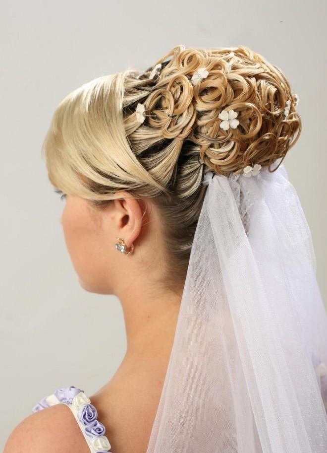 Свадебные прически для невесты на длинные волосы. Роскошь и изящность