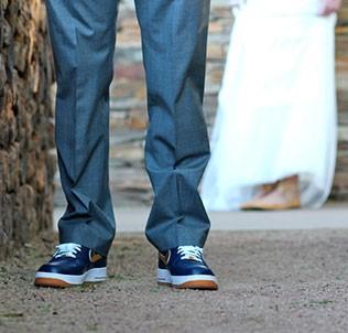 Осенняя свадьба. Как создать модный осенний образ жениха в деталях?