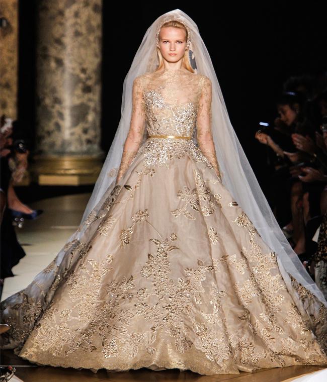Янтарный шарм! Стильные свадебные платья для рыжих невест