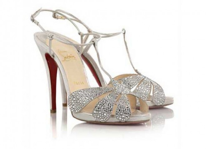 Выбирая обувь в магазине обращайте внимание на самые мелкие детали
