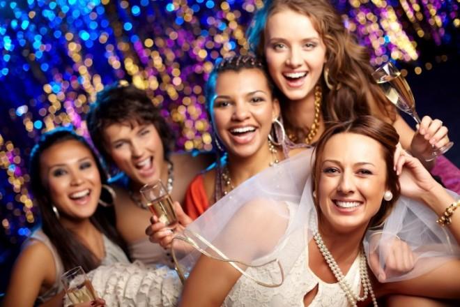 Выбирая свадебное платье привлекайте помощников
