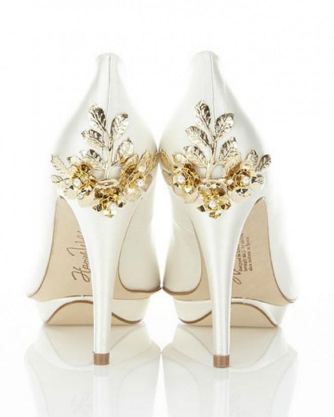 Туфли с красивым декором