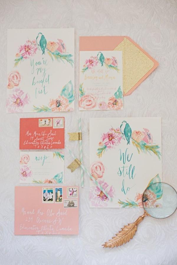 Приглашения с цветочными принтами