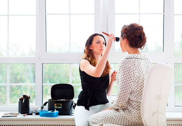 Наносите макияж предельно аккуратно