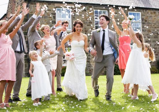Свадьба - один из самых счастливых дней в жизни молодоженов