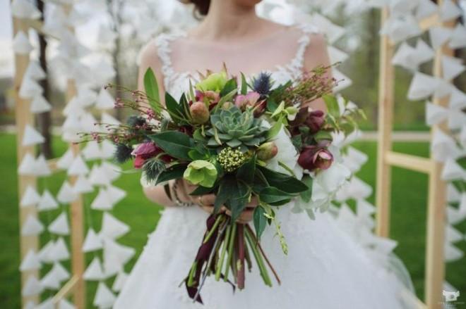 Фрукты и суккуленты - новая тенденция в свадебных букетах