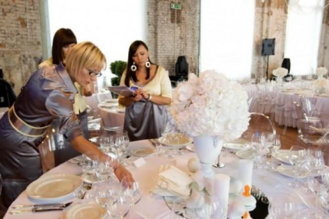 Грамотный свадебный консультант может существенно сократить расходы