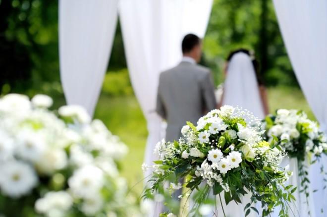 Цветов на свадьбе много не бывает