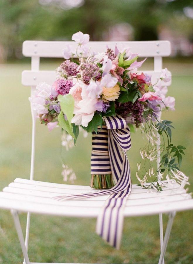 Украшение свадебного интерьера сезонными цветами