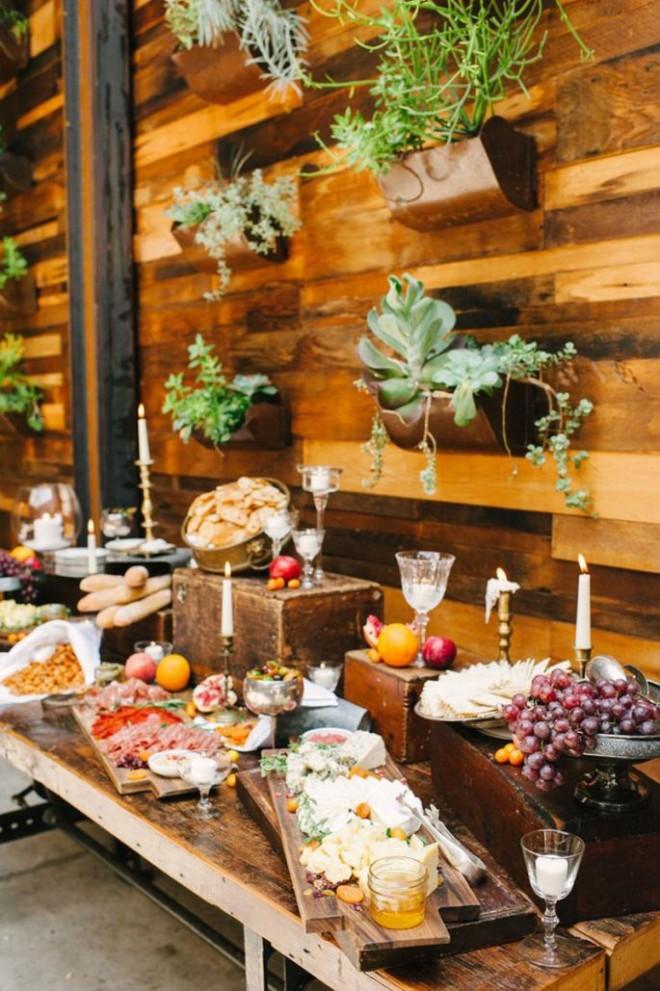 Обустройство свадебного стола