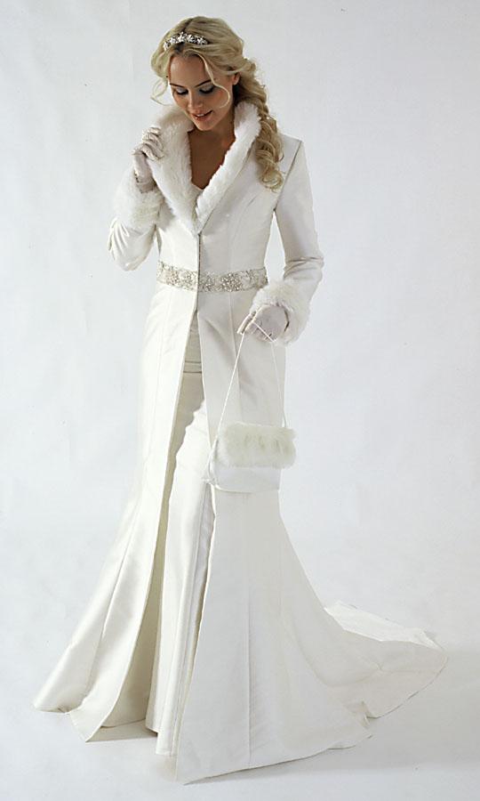 Элегантное белое пальто для невесты