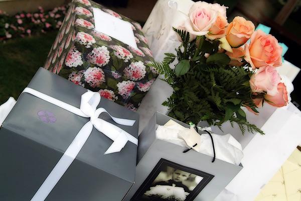 Когда дарить подарки на свадьбе