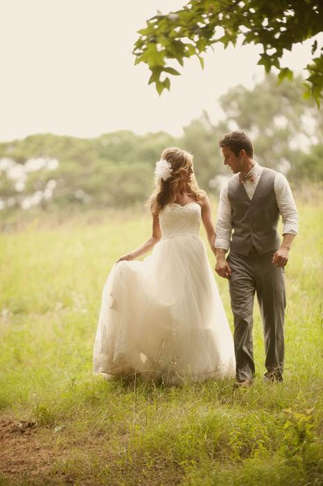 Романтическая свадьбе на природе