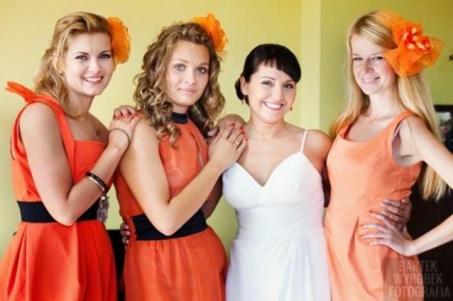 Элегантные наряды для подружек невесты