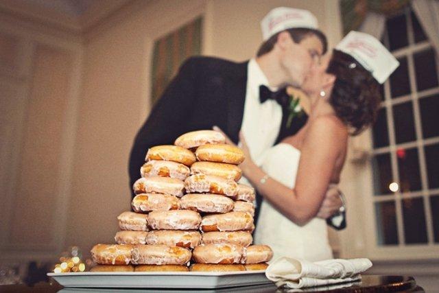 Аппетитные пончики на шведский стол