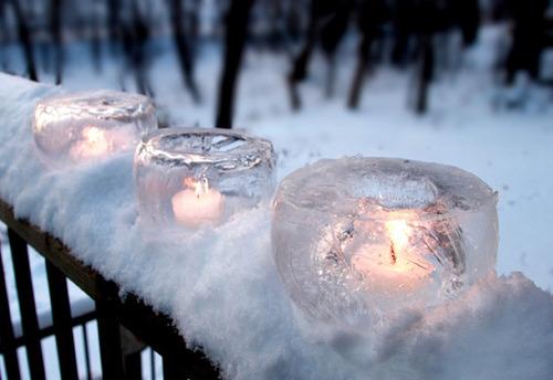 Свечи в ледяных подсвечниках - прекрасное свадебное украшение