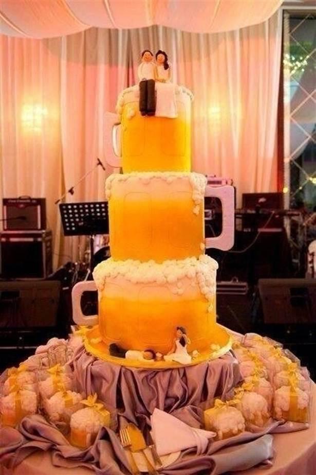 Пива не может быть много, даже для свадебного торта