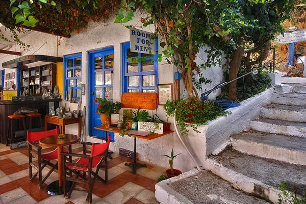 Уютные номера в отелях Крита