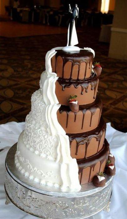 Торт с двумя вкусами для жениха и невесты